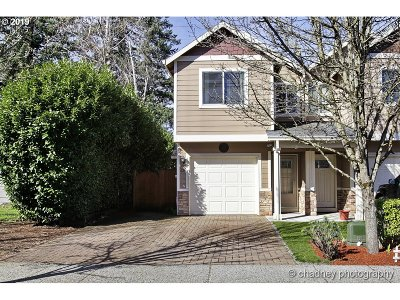 Multnomah County Single Family Home For Sale: 623 SE 204th Pl