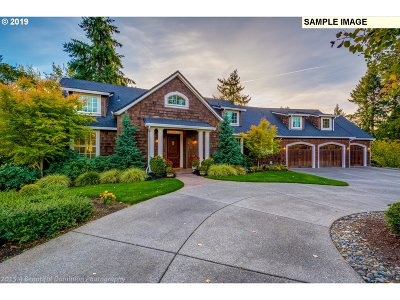 Single Family Home For Sale: Thompson Dr