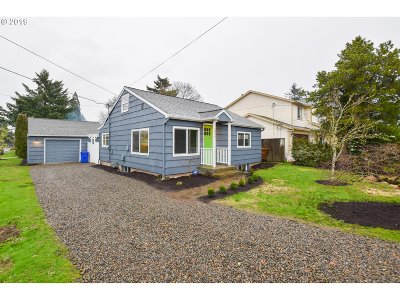 Portland Single Family Home For Sale: 6804 SE 76th Ave