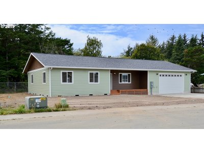 Coos Bay Single Family Home For Sale: 63790 Foghorn Dr