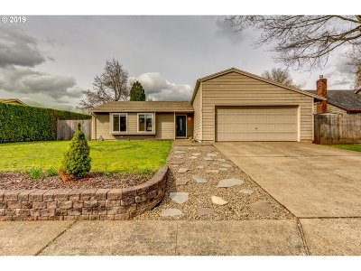 Canby Single Family Home Pending: 240 SW 10th Ave