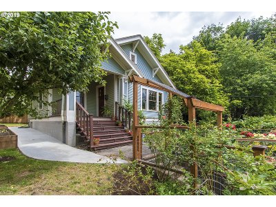 Portland Single Family Home For Sale: 9005 N Edison St