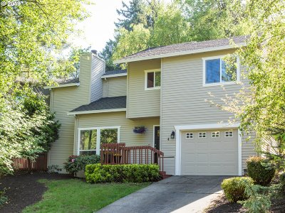 Lake Oswego Single Family Home For Sale: 4 The Grotto