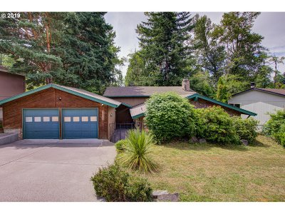Gresham Single Family Home For Sale: 3820 SE El Camino Dr