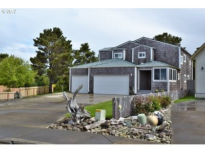 Bandon Single Family Home For Sale: 2915 Ruby Ct