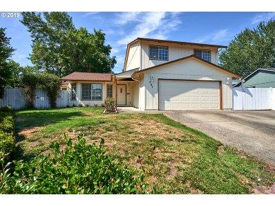 Hillsboro Single Family Home For Sale: 721 NE Josephine Ct