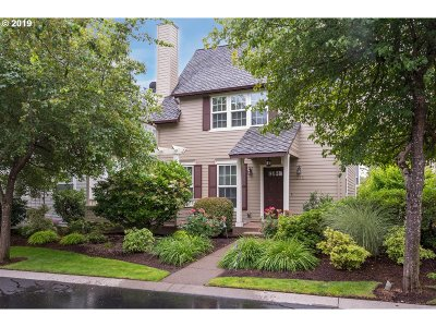 Portland Condo/Townhouse For Sale: 2215 NW Edgewood Pl