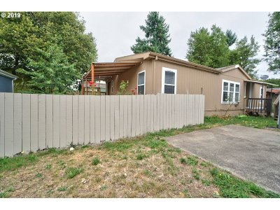 Milwaukie, Gladstone Single Family Home For Sale: 14357 SE Christopher Ct