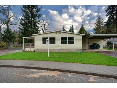 Woodburn Single Family Home For Sale: 951 Alder Ln