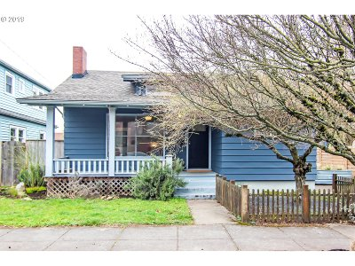 Portland Single Family Home For Sale: 7027 NE Klickitat St