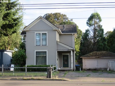Salem Single Family Home For Sale: 2338 State St