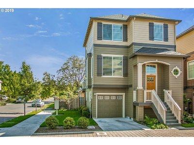 Portland Condo/Townhouse For Sale: 1351 SE 84th Ave