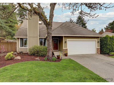 Lake Oswego Single Family Home For Sale: 2727 Orchard Hill Pl