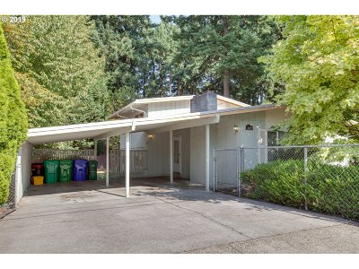 Single Family Home For Sale: 610 NE 172nd Ave