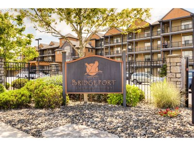 Seaside Condo/Townhouse For Sale: 1000 N Holladay Dr #202