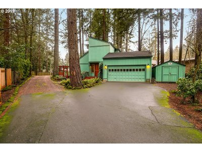 Lake Oswego Single Family Home For Sale: 17297 Bryant Rd