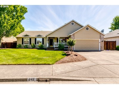 Eugene Single Family Home For Sale: 842 Corvette Ln