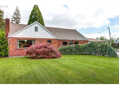 Molalla Single Family Home For Sale: 829 Toliver Rd