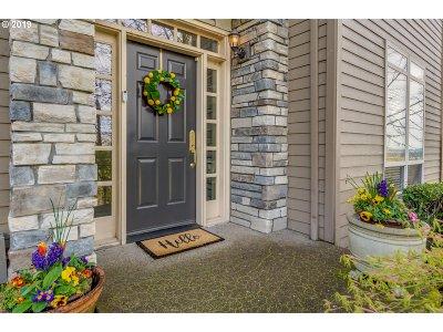 Lake Oswego Single Family Home For Sale: 2 Creekside Ter
