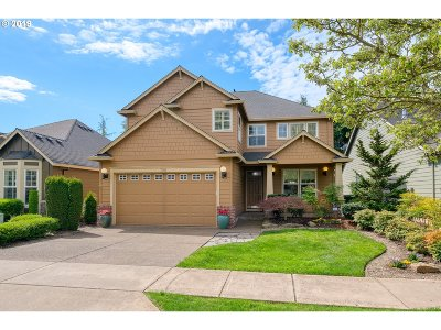 Woodburn Single Family Home For Sale: 708 Fairwood Cres