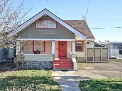 St. Helens Single Family Home For Sale: 160 S 1st St
