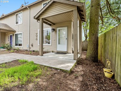 Portland Single Family Home For Sale: 7916 SE 67th Ave