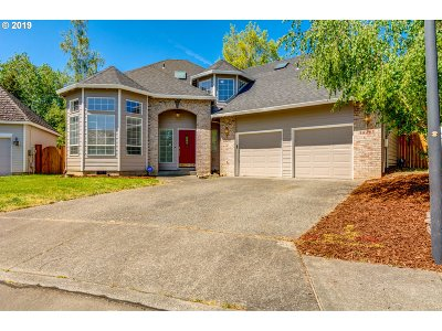 Tigard Single Family Home For Sale: 10267 SW Elise Ct