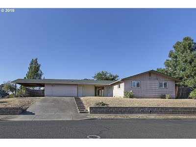 Central Point Single Family Home For Sale: 609 Kings Ct