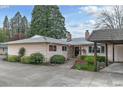 Forest Grove Condo/Townhouse For Sale: 3118 22nd Ave