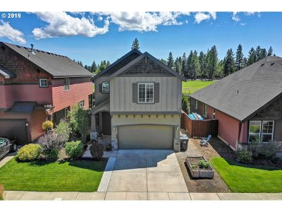 Bend Single Family Home For Sale: 19545 Salmonberry Ct