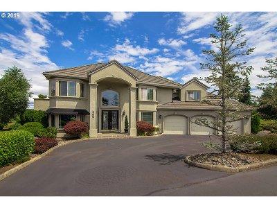 Roseburg Single Family Home For Sale: 280 Fairway Village Ln