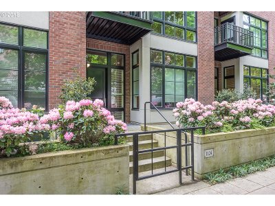 Condo/Townhouse For Sale: 1124 NW Johnson St #108