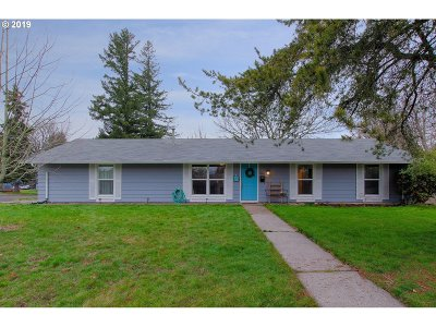 Gresham Single Family Home For Sale: 1605 NW 5th St