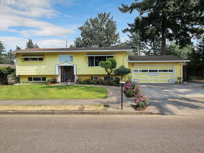 Portland Single Family Home For Sale: 3118 SE 167th Ave