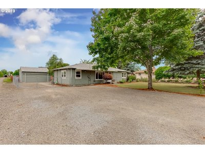 Molalla Single Family Home For Sale: 819 Toliver Rd