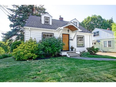 Portland Single Family Home For Sale: 7935 SW 10th Ave