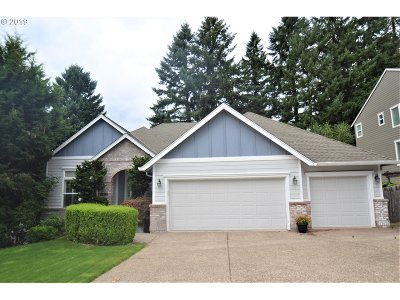 Clackamas County Single Family Home For Sale: 15106 Oyer Dr