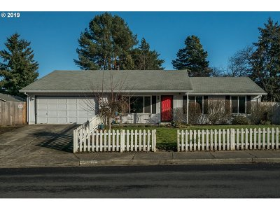 Beaverton OR Single Family Home For Sale: $350,000