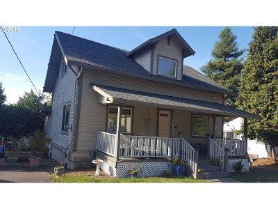 Oregon City Single Family Home For Sale: 707 Jackson St
