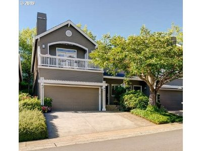 West Linn Single Family Home For Sale: 3024 Club House Ct