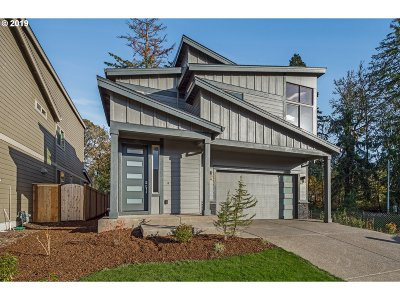 Clackamas OR Single Family Home For Sale: $559,900