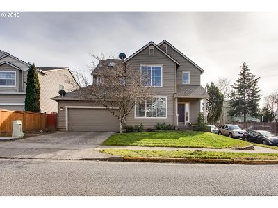 Clackamas Single Family Home For Sale: 15430 SE Bollam Dr