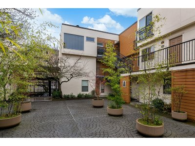 Portland Condo/Townhouse For Sale: 1535 SW Clay St #202