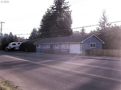 Coos Bay Single Family Home For Sale: 1695 Woodland Dr