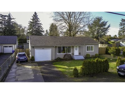 Portland Single Family Home For Sale: 3121 SE 164th Ave