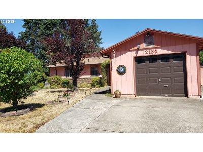 Roseburg OR Single Family Home For Sale: $189,900