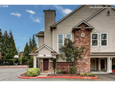 Hillsboro Condo/Townhouse For Sale: 1010 NE Horizon Loop
