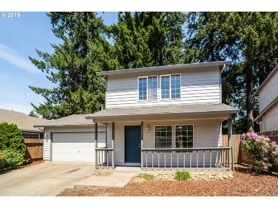 Portland Single Family Home For Sale: 13851 SE Martins St