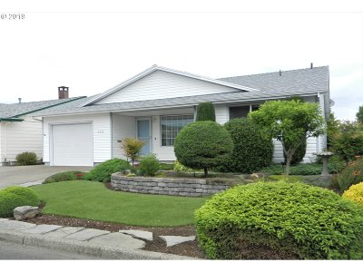 Woodburn Single Family Home For Sale: 2249 Santiam Dr
