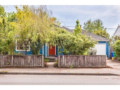 Portland Single Family Home For Sale: 9126 SE Washington St